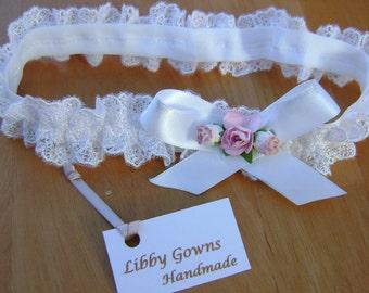 A Pretty White All Lace Headband