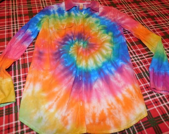 hand dyed tie dye women's size medium spiral design, long sleeved blouse, hippie, tie dye blouse, junior fit