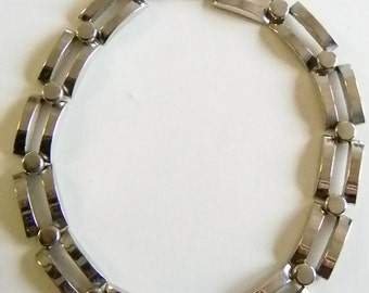 Chunky Silver Tone Link Necklace