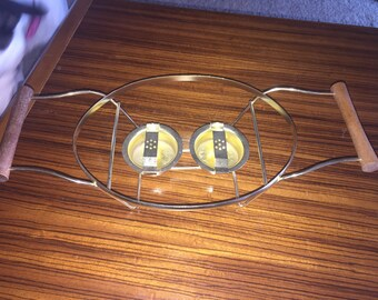 Vintage Pyrex trivet, cradle with round wooden handles and 2 warming units