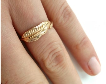 Ring gold plated feather 750/000, tip of finger - ring pattern feather, adjustable size - 750 gold plated feather ring