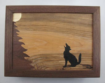 Wolf. inlay. Inlaid walnut box. Unique.Marquetry. design. Gift for Dad. Mens dresser valet. Gift forHunters. Anniversary. gift for him . her