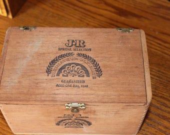 Vintage J and R Ultimate Cigar Box