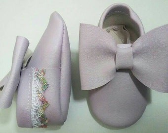 Light lavender lace shoes