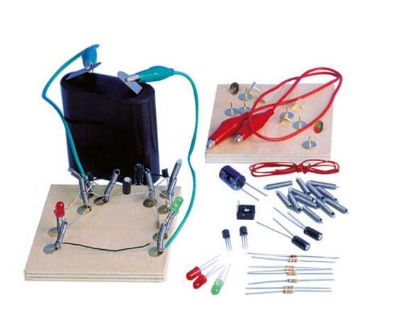 Lumi re diodes r sistances diode transistor for Bascule transistor