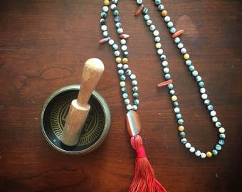 Prosperity Prayer Mala Necklace with Moss Agate crystal beads and Carnelian Agate slice. For fertility, pregnancy, birth, creativity.