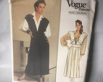 Vogue sewing pattern un-cut and ready for you to make