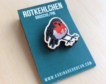 Robin brooch / pin #1