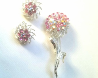 Beatiful spring vintage baby rose pink brooch pin and earrings set irridescent pink stones in silver tone chrysanthemum floral flower
