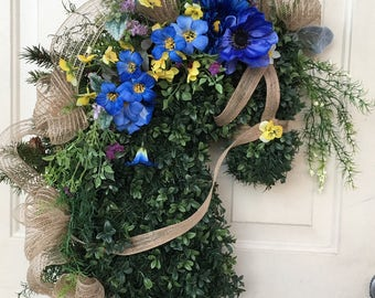 Horse head wreath. Spring horse head wreath. Equestrian gift. Horse lovers gift. Blue/yellow spring wreath. Mother's Day gift!