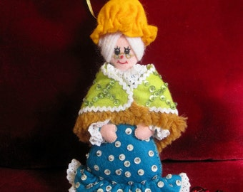 Vintage Finished Bucilla Christmas Ornament Grandma From Little Red Riding Hood, Felt Decoration, 1970s Christmas Ornament, Rare