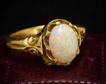 Antique Victorian Opal Scrolled Ring in 18k Gold, c1890