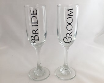 Bride and Groom Champagne Glasses, Bride and Groom Toasting Glass, Bride and Groom Champagne Flutes, Bride and Groom Drinkware