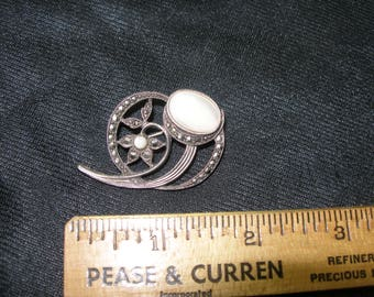 Moonstone and Marcasite Brooch(672)