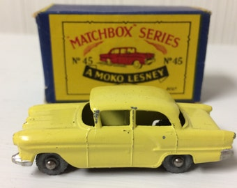 Vintage Matchbox Series #45 No. 45 A Moko Lesney Vauxhall Victor made in England original box
