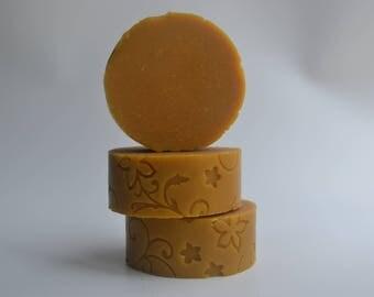 CARROTS & HONEY Soap