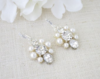Swarovski wedding earring, Rhinestone and pearl dangle earring, Petite bridal earring, One of a kind crystal and pearl earring