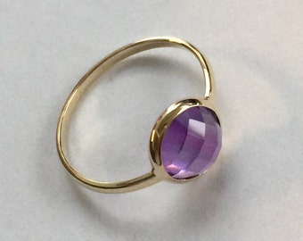 14k solid yellow gold and purple amethyst cabochon ring