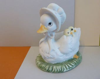 Mother Duck Figurine, w/Babies Under Her Wing