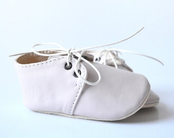 Baby girl pink shoes, Leather baby oxfords, Soft sole baby shoes, Newborn shoes, Baby girl moccasins, Baby booties, Baby girl gift