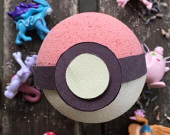 Pokémon Bath Bombs- SURPRISE toy inside- Pokébomb: Blueberry/Vanilla Scent- Bath Bomb Pokéball -Pokémon Go, Easter Basket Gift