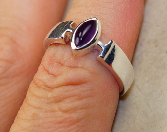 Amethyst & 925 Sterling Silver Ring size 8 by Silver Trend