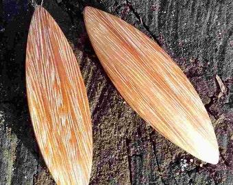 Kumaru. Wooden tatting shuttle for frivolite