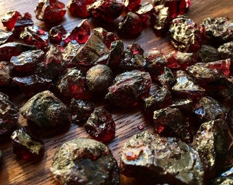 Rough Garnet Parcels 10,25 & 50 grams parcels