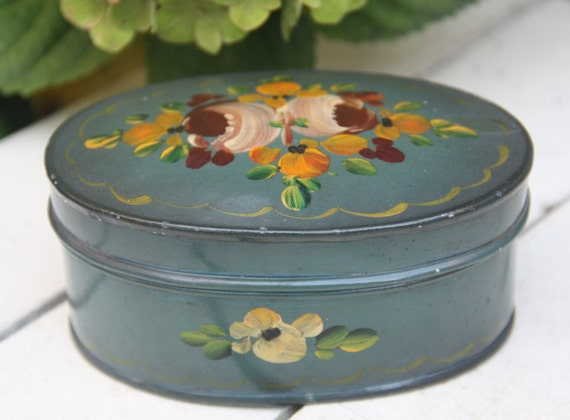 Vintage Dutch 'Hindelooper' Handpanted Small Oval Tin, Flower Decor