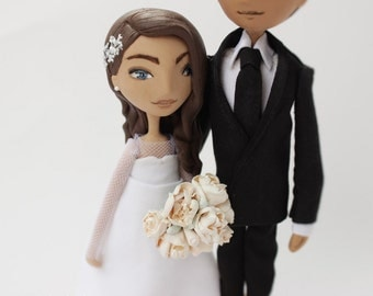 Personalized wedding cake topper dolls , Wedding Gift Bride and Groom,  personalised gift, custom wedding cake topper figurine, mr and mrs