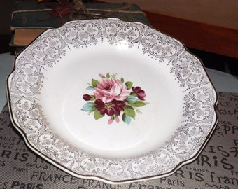Mid-century (c.1950s) Dominion China Briar Rose dinner plate. Pink roses in center, gold floral chintz verge, gold edge.