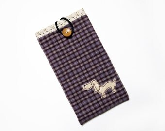 Phone Sleeve with A Dog Applique, , Buttoned iPhone Sleeve. Fabric Phone Sleeve, Handmade Phone Cover. Embroidered Phone Case, Applique Case