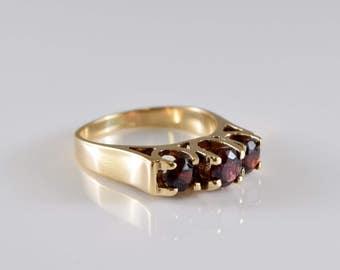 10K Yellow Gold Garnet Ring Size 5