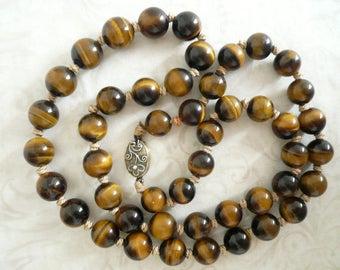 Vintage Tiger Eye Necklace, Tiger Eye Beads, 1960's.