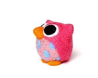 Pink owl. Decorative Figurine made of needle felted wool