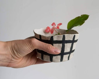 Ceramic Planter with Grid Pattern, perfect for succulents