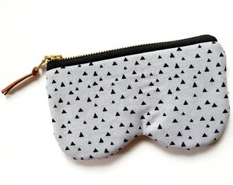 Grey Triangle Glasses Sunnies Case