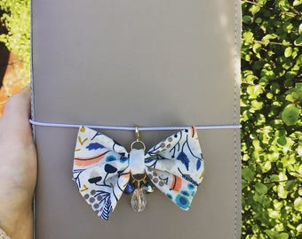 Floral forest TN bow with beads