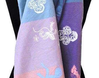Sumptious, 100% silk, colourful scarf