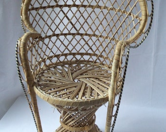 Armchair in rattan and raffia doll vintage / Chair emmanuelle / accessory doll / 1960 1970 vintage toy / kid gift