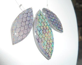 Holographics Necklaces : Mermaid scales, Black drops and plastron