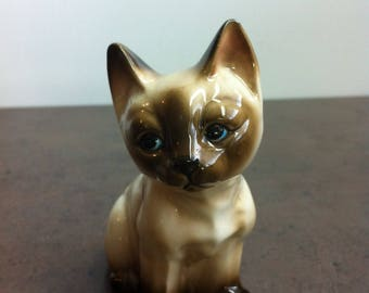 Vintage Cat Figurine - Siamese Seal Point Kitten - Ceramic Cat Ornament - Gift for Collector