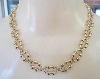 Avon Necklace & Bracelet Set