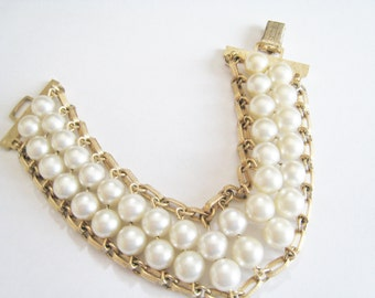 Sarah Coventry Faux Pearl Bracelet