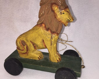 Wood Carved Lion Pull Behind Toy Vintage Sisal Woven Pull String**LEAD FREE**