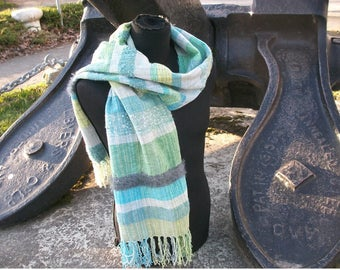 handgewebter wider scarf or narrow stole, boho, green blue grey, spring, texture material mix, cotton, 35 x 180 cm + fringes, ooak