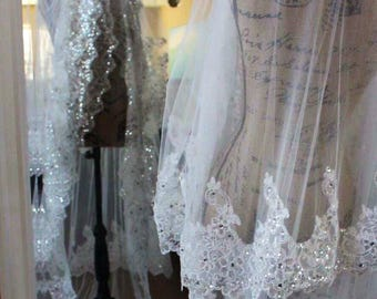 Floor length lace beaded veil with comb / Sparkling Lace Veil / Bridal Accessories / Scallop Lace Veil / Custom Made Veil / 3 tiers veil