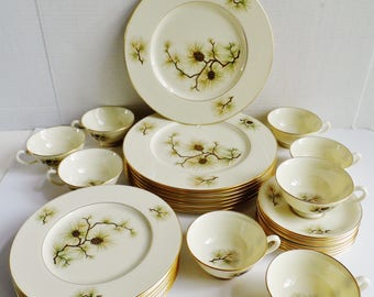 32 Piece Lenox Pine W-331 Vintage 1960's Fine China Set / Service for 8 in Mint Condition