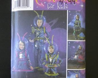 Simplicity 3631,pattern,costumes for kids,alien space suit,UFO,space man,helmet,antenna,space suit