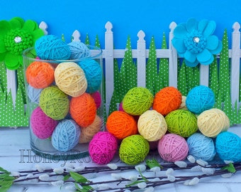 Easter eggs.Yarn eggs.Decorative yarn  Easter eggs.